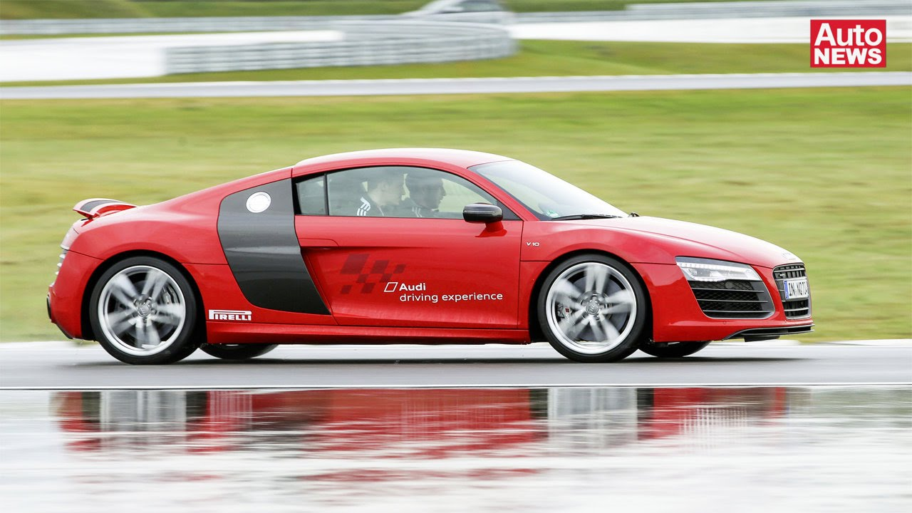fc ingolstadt 04 absolviert audi driving experience youtube. Black Bedroom Furniture Sets. Home Design Ideas