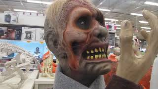 head turning zombie at canadian tire 2019