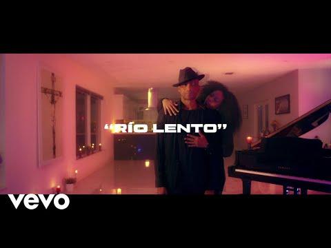 Смотреть клип Descemer Bueno - Río Lento