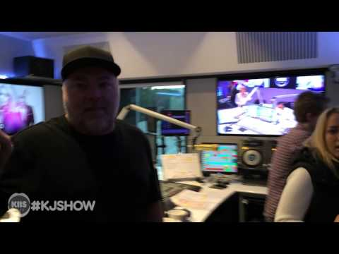 Off-air: Jackie Cracks It Over Cockroach, Kyle petrifies Krista
