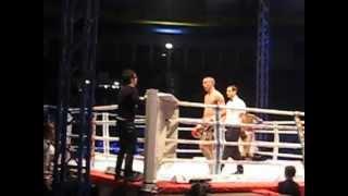 christian lucia vs carlos catuagua thai boxe mania torino seconda ripresa (2 parte) 24-11.2012.AVI