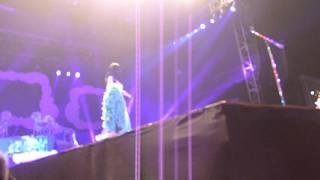 Katy Perry Kisses Ivan Dorschner #ManilaDreams Video