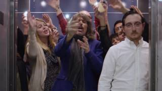 Kelly Hansen of Foreigner surprises elevator riders in a sing-a-lon...