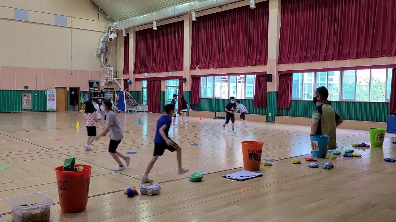 [양수쌤 체육수업] 양수쌤 놀이체육 - 저글링 준비운동-빈백 슬라이딩 술래