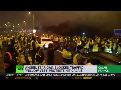 'Yellow Vest' protest grips Calais; France gears up for more unrest