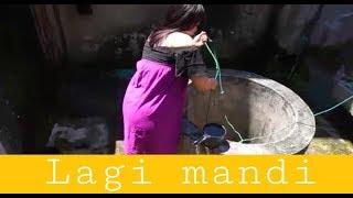 Download Video BERTUBUH BAGUS WANITA INI DI INTIP 2 PRIA LAGI MANDI MP3 3GP MP4