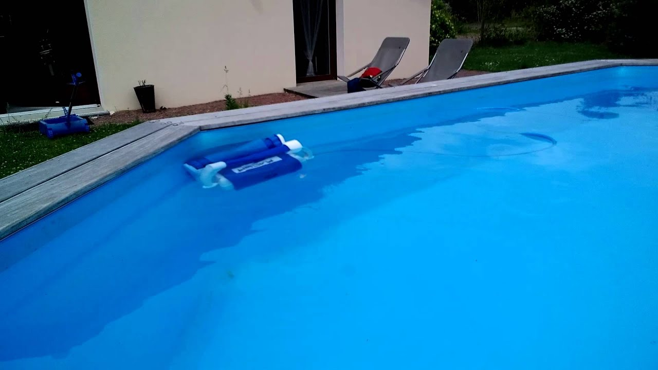 Robot piscine racer youtube for Robot piscine racer