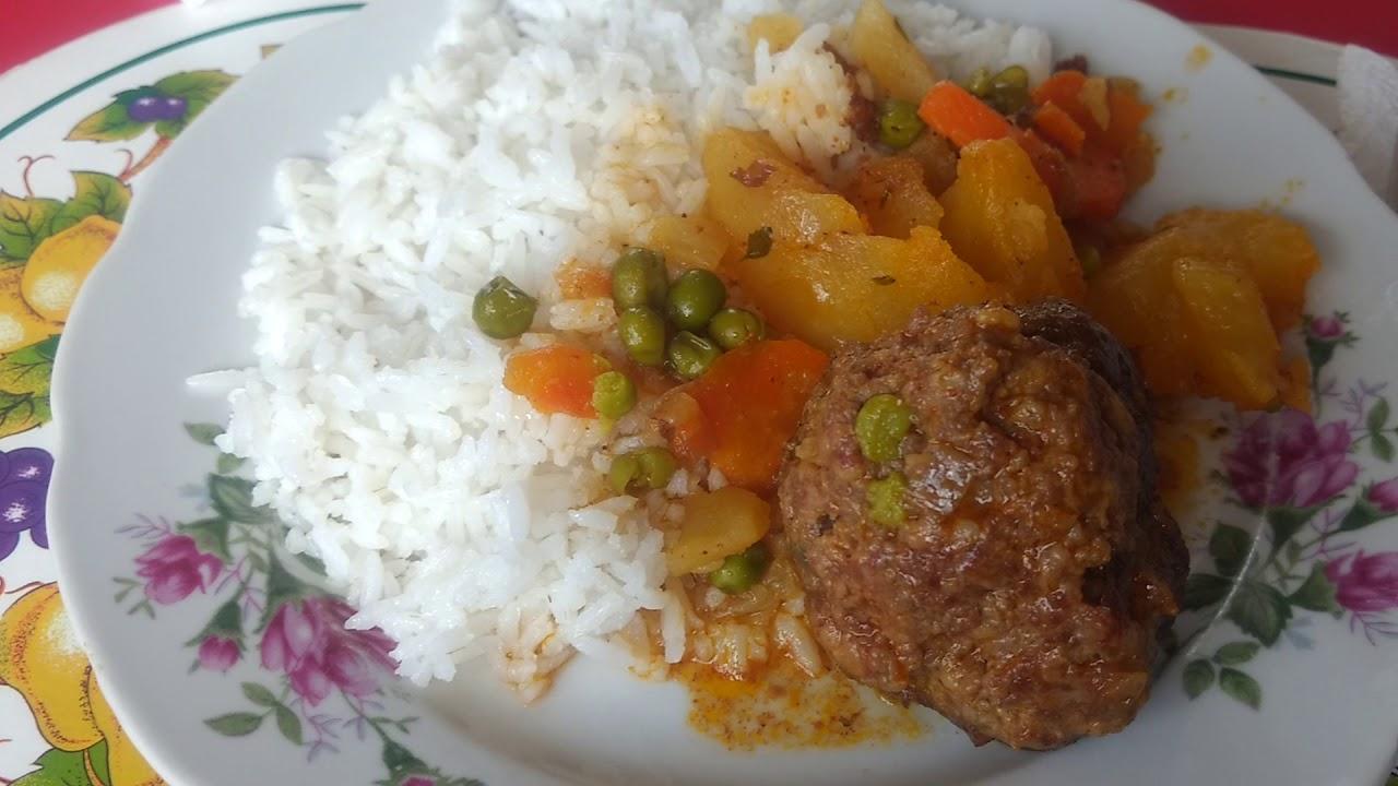 Albóndigas De Carne Molida Con Papas Huayro Y Arroz El Rinconcito De Paola