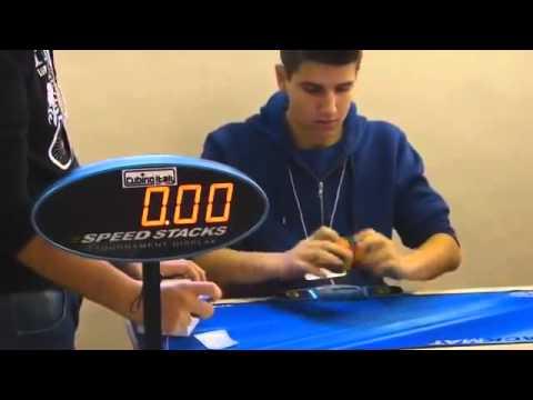 Kỷ lục thế giới: giải Rubik 2x2 chưa đầy 1 giây (0.69 giây)