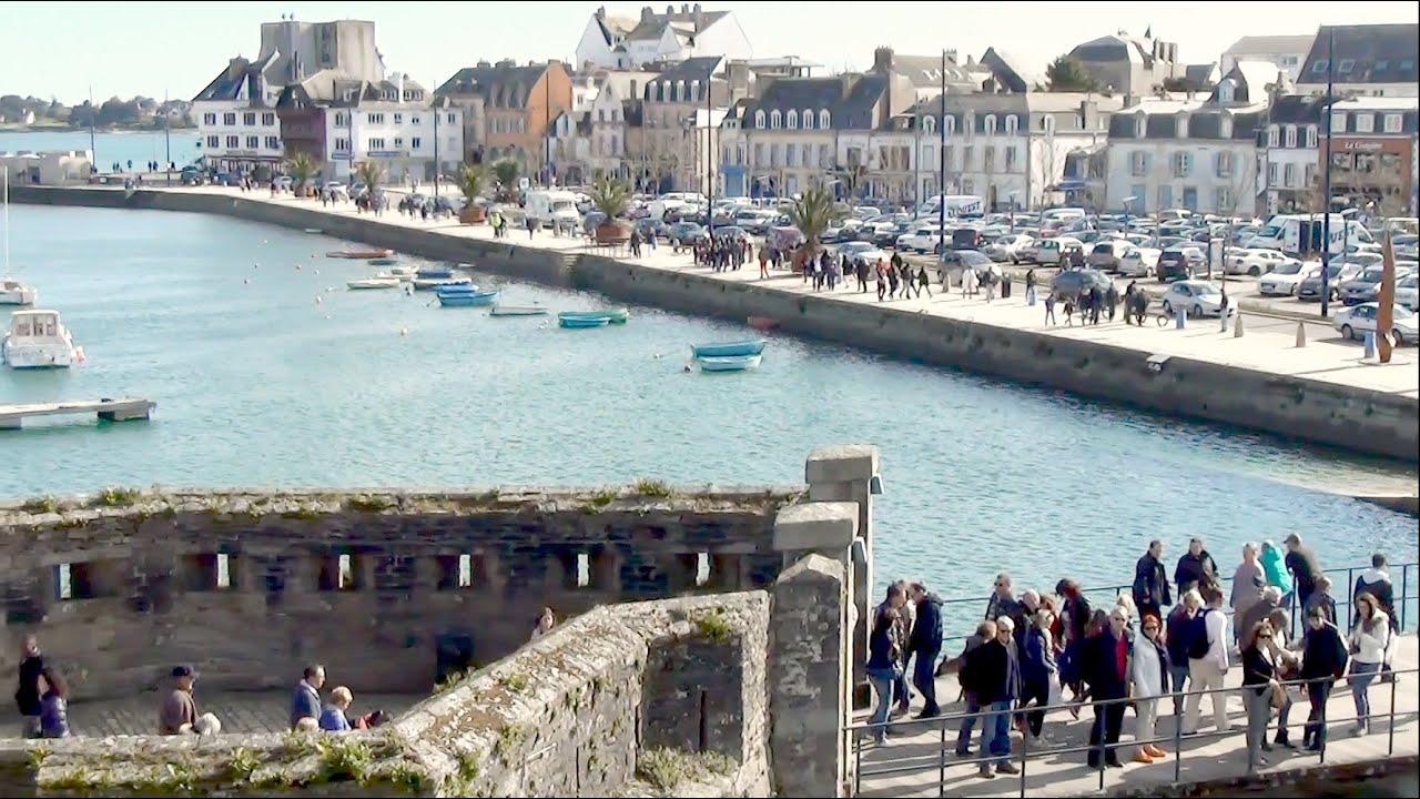 Concarneau ville close vue sur le port de plaisance promenade finist re france youtube - Port de plaisance le crouesty ...