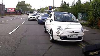 Stupid woman in Fiat 500 - N500 HJS
