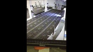بالفيديو: لص يسرق شاشة مسجد بالرياض