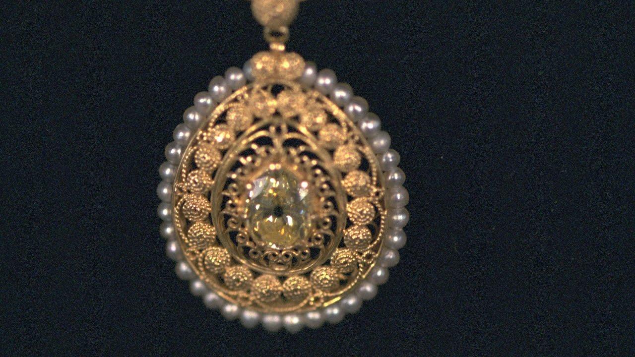 Tiffany co yellow diamond pendant vintage san diego preview tiffany co yellow diamond pendant vintage san diego preview mozeypictures Image collections