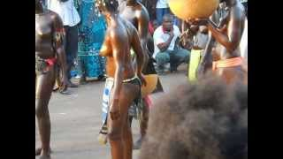 Repeat youtube video CARNAVAL GUINEE BISSAU 2013,  SPECTACLE DE NUDITE