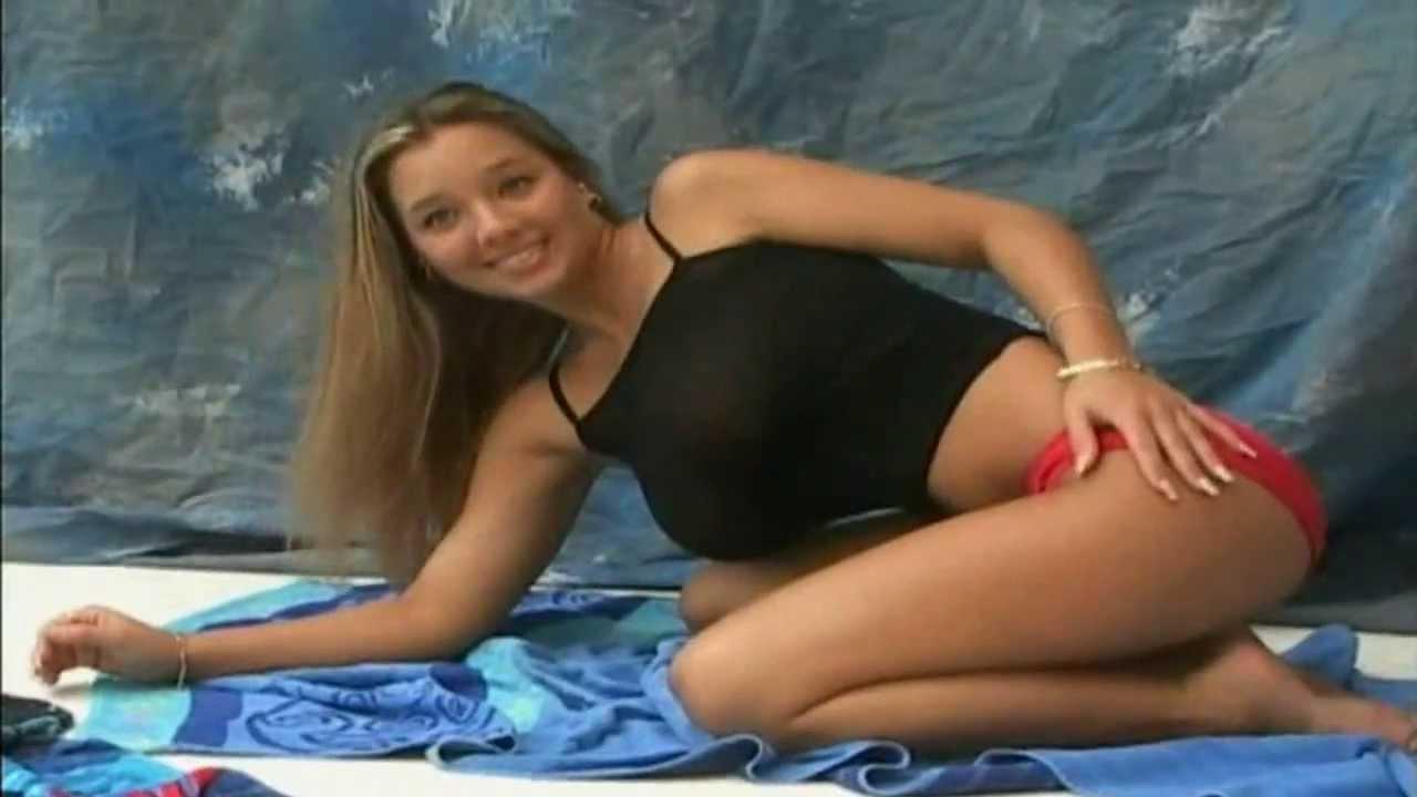 Ewa sonnet topless