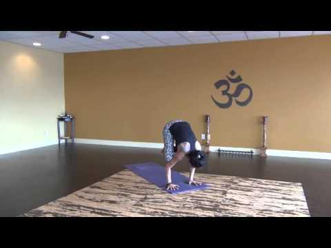 30 min. Creative Vinyasa Yoga Flow with Arm Balances and Inversions