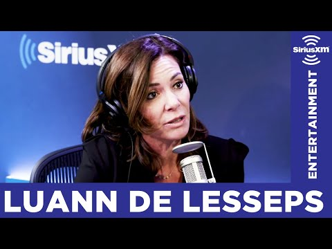 How Does Luann De Lesseps Stay Sober?