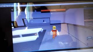 How to escape from prison in Roblox PT 1