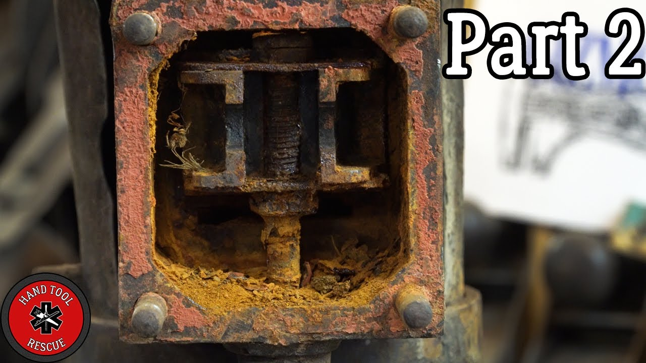 Antique Vertical Steam Engine - Part 2 [Restoration]