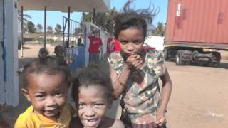 Madagascar 2011 Tsara Fo  L'hôpital à Fort Dauphin.mpg