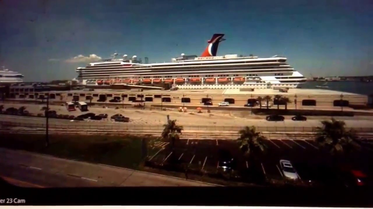 GIANT SPIDER ON CRUISE SHIP WEBCAM GALVESTON TEXAS APRIL - Webcams on cruise ships