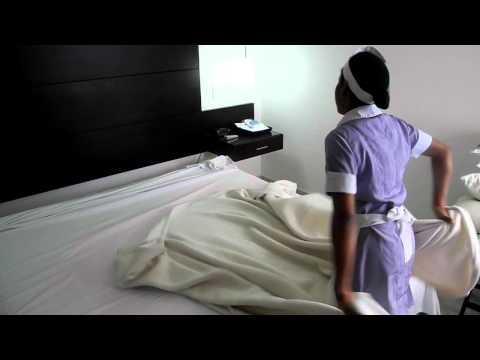 Como vestir una cama en el Hotel Capilla del Mar