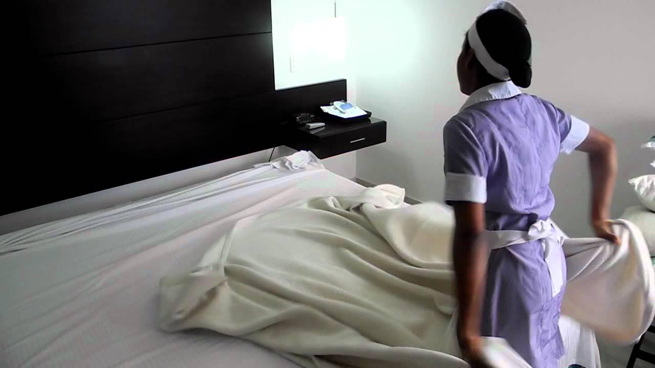 Como vestir una cama en el hotel capilla del mar youtube - Como hacer una cama de hotel ...