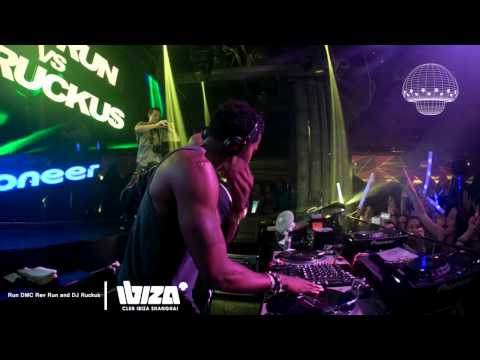 IBIZA TV : REV RUN. RUN DMC & DJ RUCKUS (LIVE) @ IBIZA, SH