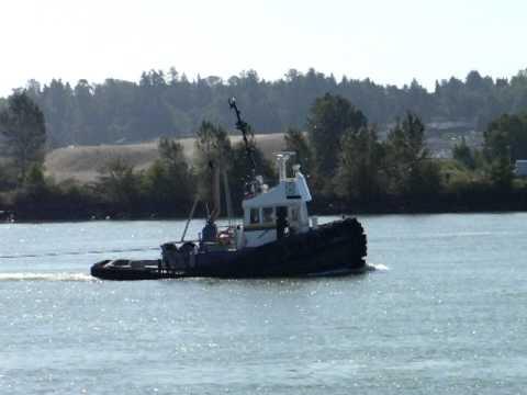 Tug Boat on Fraser River