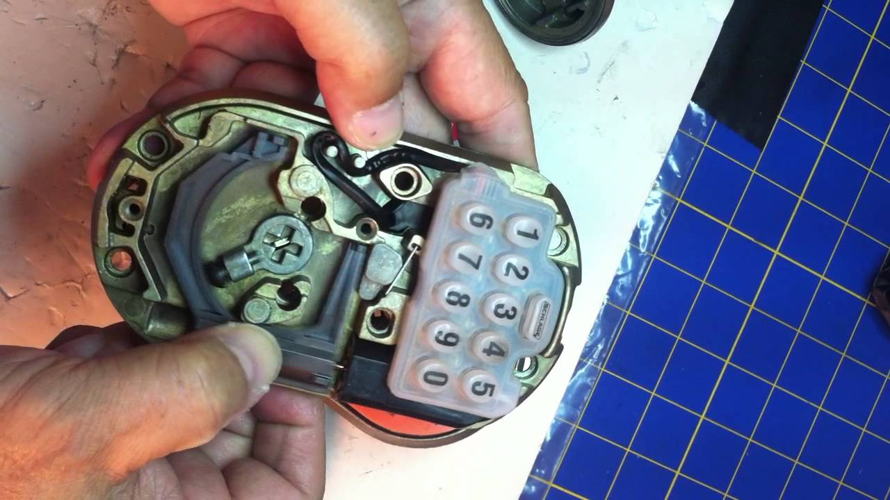 Schlage B365 lock deadbolt problem  YouTube