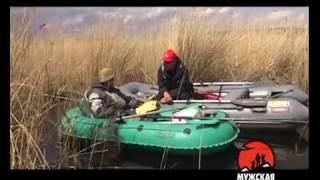 ловля крупного карася с лодки на поплавочную удочку в камыше