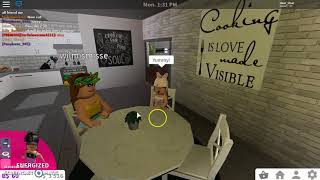 Mom and toddler morning routine - Roblox Bloxburg.