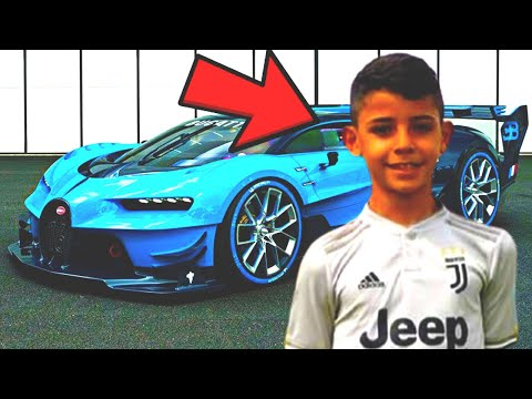 This is HOW CRISTIANO RONALDO Jr living in 2021!