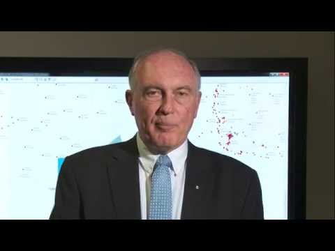 Deputy Prime Minister Warren Truss visits the Rescue Coordination Centre