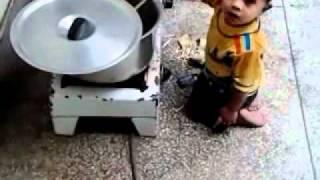 Khao Piyo Aish Karo Mitro.....Youngest cook