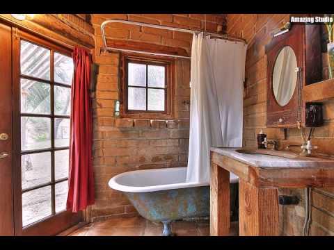 Kleine Rustikale Badezimmer Mit Verwitterten Badewanne Und Ziegel