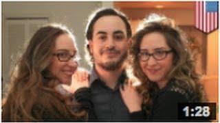 Triangle amoureux: Deux soeurs jumelles partagent tout même un mec!