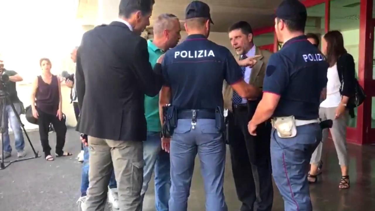 Mafia Capitale Urla Improvvise Avvocato Carminati Portato Via
