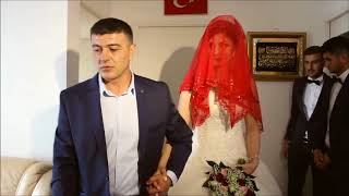 Turkish wedding - the bride is leaving her father's house ...