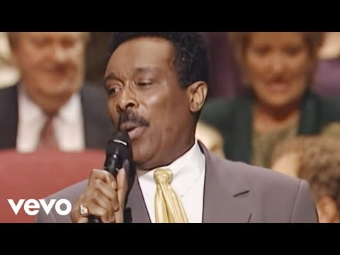 Bill & Gloria Gaither - I Saw the Light [Live]