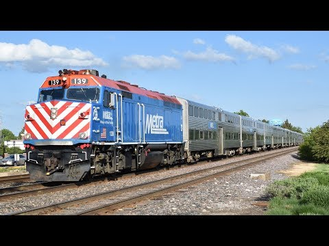 UPNW Metra Rush Hour at Mount Prospect, IL - 5/18/17