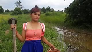 美しい女の子による素晴らしい釣り - クメールの女の子の釣り - カンボジアの伝統的な釣りの部分131 thumbnail