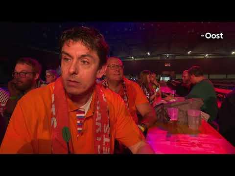 Topdarts in uitverkochte IJsselhallen in Zwolle tijdens Dutch Darts Masters
