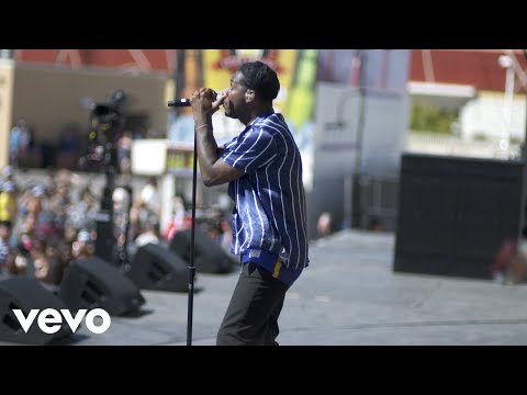 "Leon Bridges ""Bad Bad News"" (Live from Honda Stage at the 2018 iHeartRadio Music Festival)"