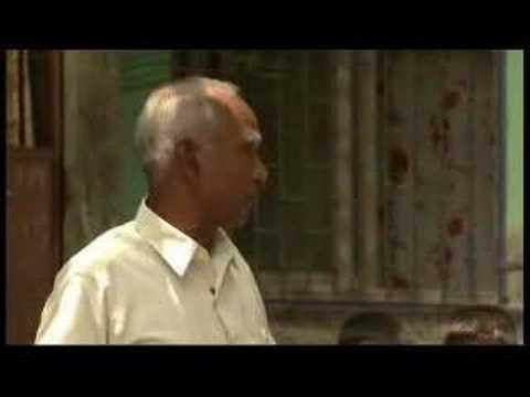Slum residents fight Mumbai airport expansion - 18 June 07