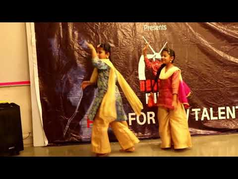 dance performance by YASHITA & ISHMITA