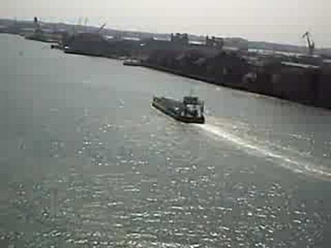 Cargo Ship carrying blades for a wind turbune Itchen Bridge
