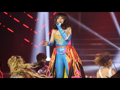 """Katy Perry impactó al jurado al interpretar el tema """"Firework"""""""