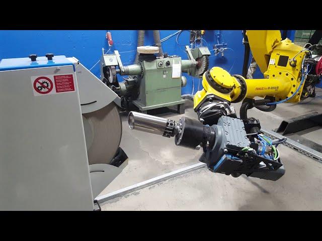 Kraftgesteuertes Polieren Sportauspuff Endrohr mit Roboter 2