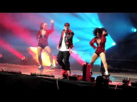 La despedida & Descontrol Daddy Yankee 260915 Geba